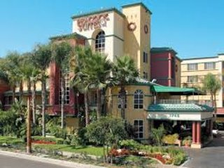 1 Bedroom Disneyland Getaway, December 10-31, 2017, Anaheim