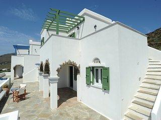 Βεράντα με θέα/Balcony with view, Ormos Agiou Ioannou