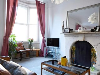 Spacious Retro Luxury 1 Bed Apartment