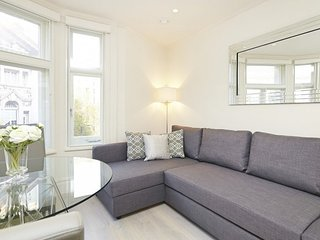 Bright 1 Bedroom Apartment in Covent Garden