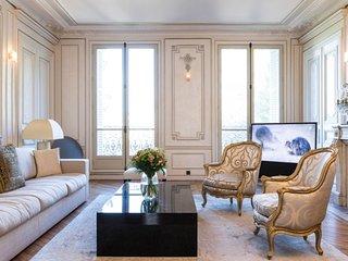 Gorgeous 3 Bedroom Close to the Seine River, Paris