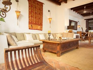 Cozy 3 Bedroom House in Old Town, Cartagena