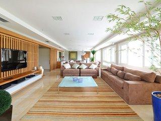Marvelous 5 Suite Apartment in Jurerê Internacional, Florianópolis