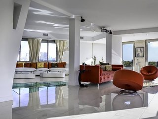 Luxurious 5 Bedroom Apartment in Plaza San Martin