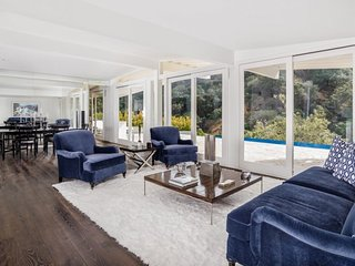 Stunning 5 Bedroom Home with Infinity Pool in Beverly Hills