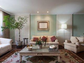 Classic 3 Bedroom Apartment Nestled in Leblon, Rio de Janeiro