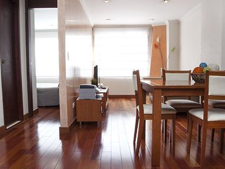 Modern 1 Bedroom Apartment in Virrey, Bogotá