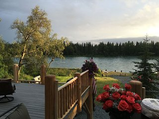 Kenai River Front Luxury Lodging - Cusack's on the Kenai Lodge  Alaska Log Cabin