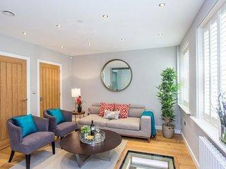 Fabulous 3 Bedroom Mews House in Paddington