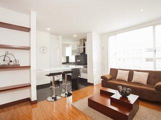 Charming 1 Bedroom Apartment in Chico Navarra, Bogota