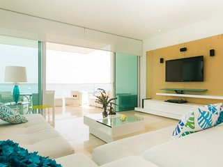 Contemporary 3 Bedroom Apartment in Castillo Grande