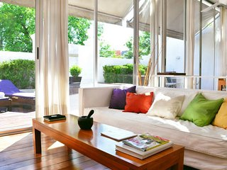 Bright & Airy 2 Bedroom Apartment in Palermo Soho, Buenos Aires