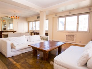 Spacious 3 Bedroom Apartment in Downtown, Buenos Aires