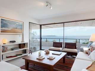 Tranquil Seaside 3 Bedroom Apartment in La Punta