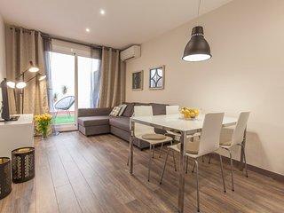 Cozy & Bright 2 Bedroom Apartment in Poble Sec, Barcelona
