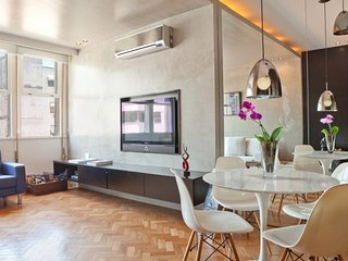 Funky 1 Bedroom Apartment in Leblon