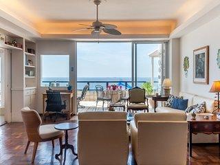Enchanting 4 Bedroom Apartment Nestled in Copacabana, Río de Janeiro