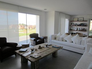 Amazing 5 Bedroom House in Punta del Este