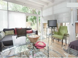 2BR/1BA-terrace-Coconut Grove near Marina/Beaches/ALL-LT & Pets OK
