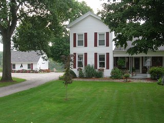 Mirror Lake Bed and Breakfast LLC, Rome City