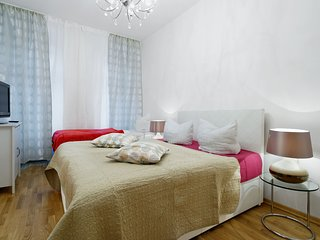BIG CENTRAL CITY Apartment Mitte , HEART OF BERLIN BEST LOCATION