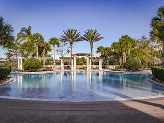 5 min from Disney: 3 Bed 3 Bath Pool Home at Windsor Hills! Check Special Prices, Kissimmee