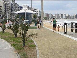 Praia do Morro. Cobertura Triplex frente p/ o mar.