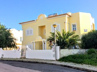 Ocean Breeze 5 bedroom detached villa, private pool, terrace and BBQ. Sleeps 12.
