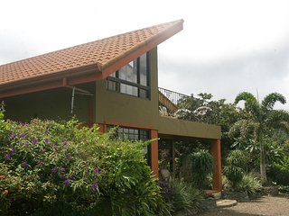2 Story Casita, Spectacular Views, Central to Costa Rica Sites, Private Chef, San Ramón