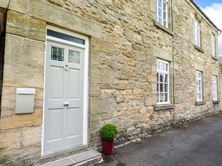 ST. LAWRENCE REST, close to amenities, all ground floor, WiFi, Warkworth, Ref 93