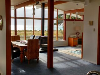 Rarangi Retreat Beach House