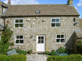 THE STONE BYRE, bike storage, front patio with BBQ, Barnard Castle, Ref 21862
