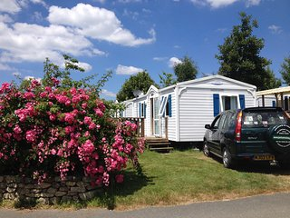 Self Drive Holidays in 21st Century 2 bedroom  Mobie Homes on 5*  Campsite.