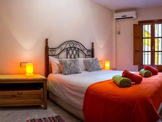 Duenas apartment in Casco Antiguo with WiFi, airconditioning & lift.