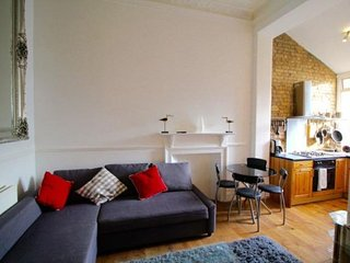 Earls Court Hogarth Lodge apartment in Kensington & Chelsea with WiFi & balcony.