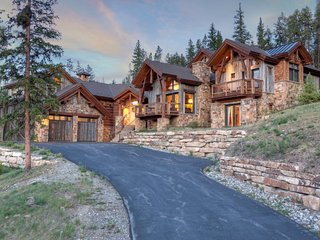 Unparalleled Highlands Home with Three Master Suites and 5,600 Square Feet of, Breckenridge