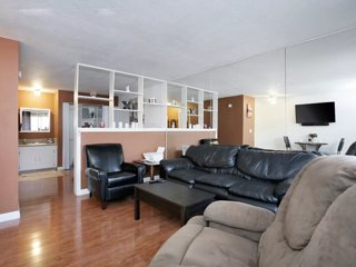 Modern Private Suite walking distance to the Las Vegas Strip