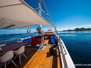 Mersea Epic Yacht (Komodo National Park, Labuan Bajo)
