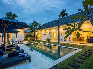 Holyfat1, Brand New 3 Bedroom Villa Near Seminyak