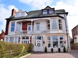 Chymes (Flat 1) Holiday Flats , Balcony, Sea Views