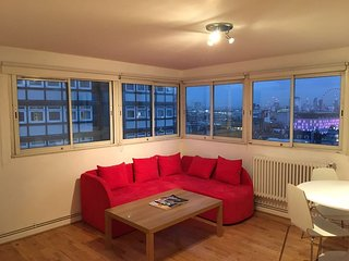 COSY 1 BEDROOM IN HEART OF SOHO - PICCADILLY CIRCUS - LEICESTER SQUARE, London
