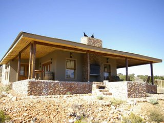 Bonteebok Lodge - Luxury Self-catering cottage, Barrydale