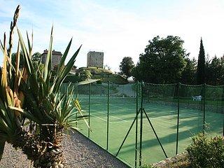 Splendido casale tra Toscana e Umbria con piscina e campo da tennis