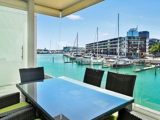 2 Bedroom Auckland Viaduct Harbour Serviced Apartment Includes Carpark