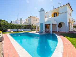 Villa Alda - 4-Bedroom Villa Located in Central Vilamoura - Old Village