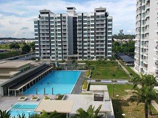 ♡ HomeStay ♡ * 7 Pax * Sri Utama Condominium