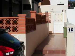 Holiday Let - 2 Bedroom, 1 Bathroom, Sleeps Upto 4, Caleta de Fuste