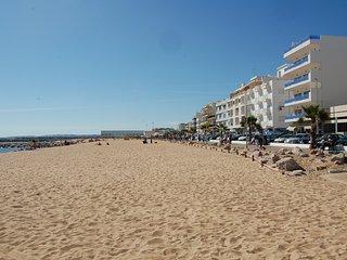 Praca do Mar - frontline beach