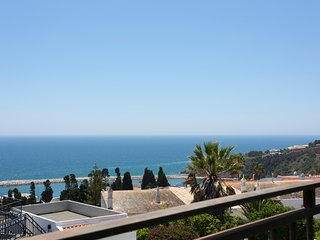 Boa Vista luxury 2 bedroom apartment with sea views