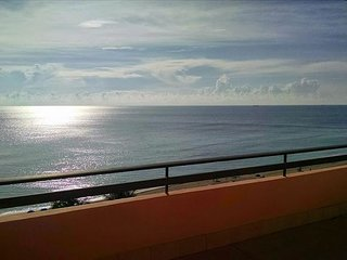Miami Beach 1401 Direct Oceanfront 3 Bed 2 Bath with Ocean Vistas
